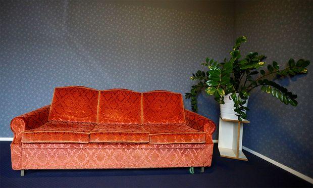 Symbolbild Sofa: Dieses steht in Magdas Hotel im zweiten Bezirk in Wien.