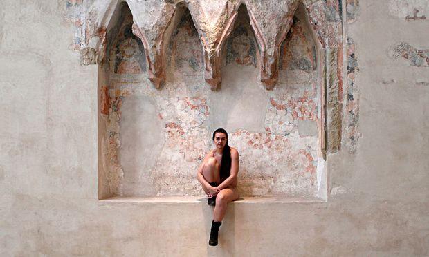 Besetzt. Doris Uhlichs Performance verwandelt die Dominikanerkirche in ein