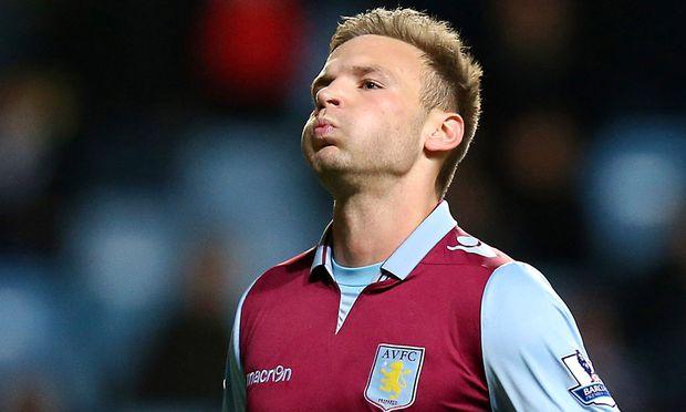 Fussball Aston Villa verlor