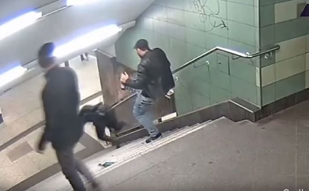 Knapp drei Jahre Gefängnis für den Neuköllner U-Bahn-Treter