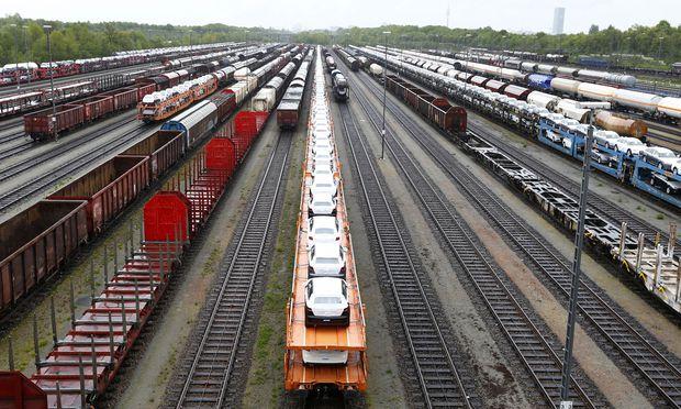 Stillstand bei der Güterverlagerung: Das Bahnland Österreich konterkariert die EU-Verkehrspolitik.