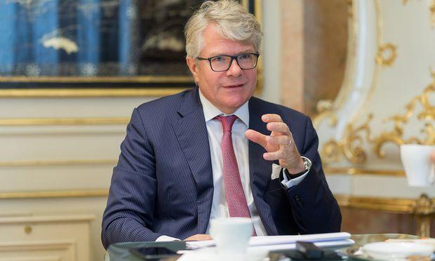 Dem Herdentrieb sollte man nicht nachgeben, sagt Constantin Veyder-Malberg.