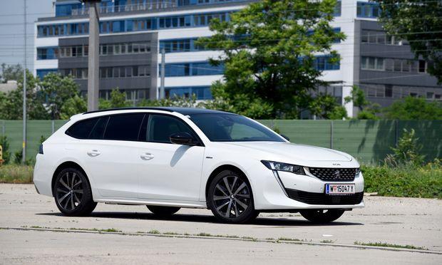 Eine elegante Erscheinung auf Österreichs Straßen und Beispiel dafür, dass Kombis auch schön sein können: Der Peugeot 508 SW.