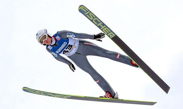 Skispringen Daniela Iraschko faellt