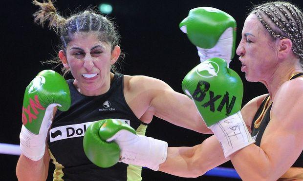 Rola El-Halabi (links)