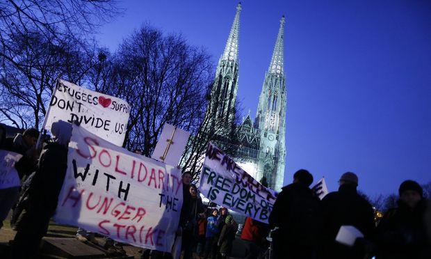 Asyl UNOKommissariat fordert Politik