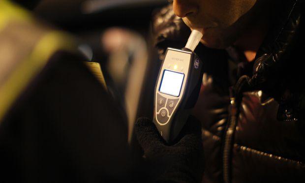 Themenbild: Polizeikontrolle