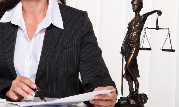 Schwieriger Klient Rechtsanwaeltin muss