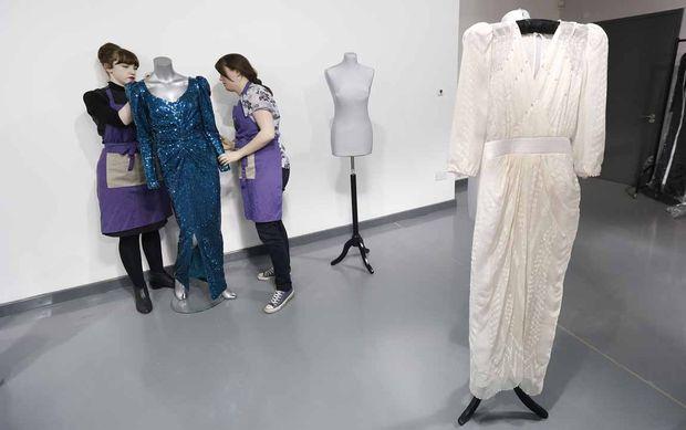 Prinzessin Diana: Kult-Kleider versteigert « DiePresse.com