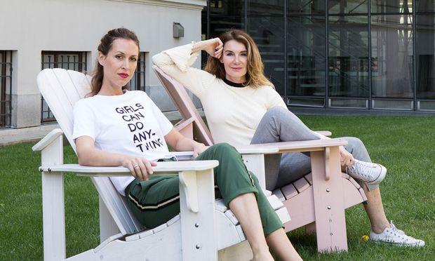 Ema Kaiser (li.) und Nicole Adler laden erstmals im Rahmen des Forward Festivals und künftig öfter zum Gedankenaustausch.