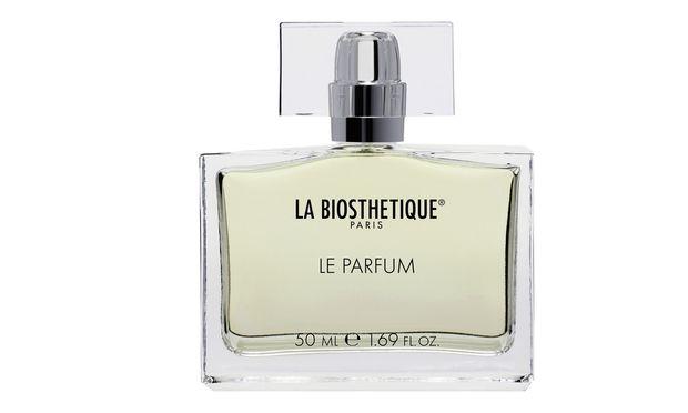 Für La Biosthétique  parfumiert Geza Schön Pflegeprodukte: Etwa Shampoos und Sonnenpflege. Auch ein erstes Parfum wurde lanciert.