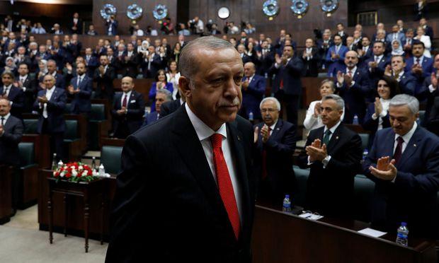 Wahlen: Erdogan für zweite Amtszeit als Präsident vereidigt