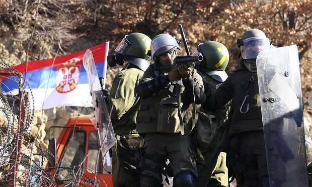 Deutsche und österreichische Nato-Soldaten im Kosovo. / Bild: REUTERS