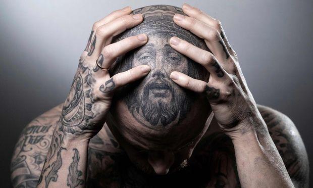 Nicht jedes Tattoo passt zu einem Polizisten (Symbolbild).