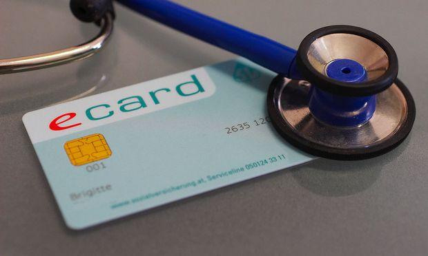 Manche Berufsgruppen brauchen keine eCard, sie dürfen sich statt der staatlichen Pflichtversicherung privat versichern.