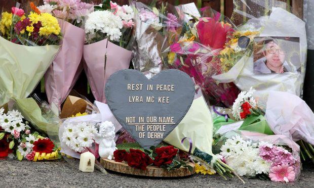 Gedenken an Lyra McKee  / Bild: APA/AFP/PAUL FAITH