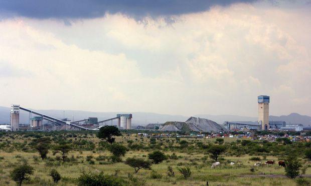 SOUTH AFRICA PLATINUM
