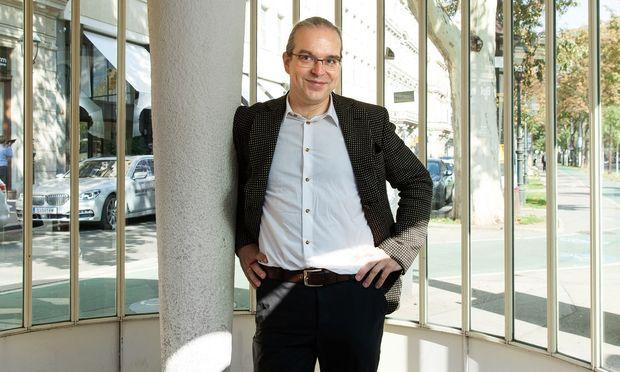 Bernhard Günther. Er leitet seit 2016 das von Claudio Abbado gegründete Festival Wien Modern.