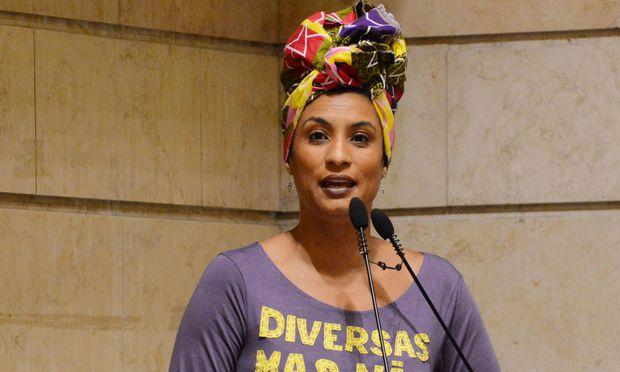 Marielle Franco engagierte sich für Menschenrechte, insbesondere die Rechte schwarzer Frauen in der brasilianischen Gesellschaft
