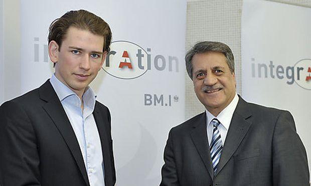 Staatssekretär Sebastian Kurz (l.) und der Präsident der Islamischen Glaubensgemeinschaft in Österreich (IGGiÖ), Fuat Sanac.