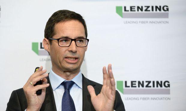 Lenzing-Boss Stefan Doboczky gibt den Stratschuss für die nächste Großinvestition im Ausland.