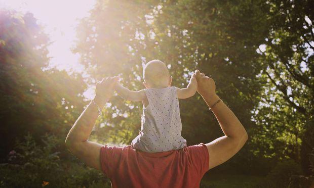 Väter haben künftig mehr Anspruch auf Familienzeit – und auf Kündigungsschutz.