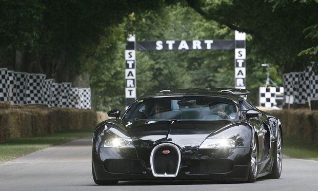 Ein Bugatti Veyron, wie hier beim Goodwood Festival of Speed, sollte für eine Rallye nach München transportiert werden.