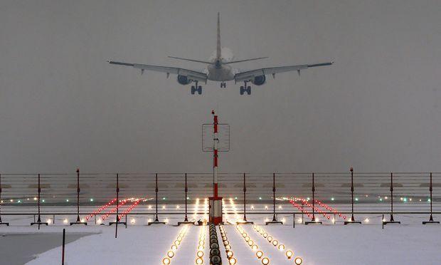 LuftfahrtRiesen klagen Gewerkschaft wegen