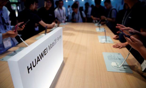 Huawei ist unter den Marktführern bei Handys; deren Funktionsfähigkeit könnte aber unter einem US-Boykott massiv leiden.