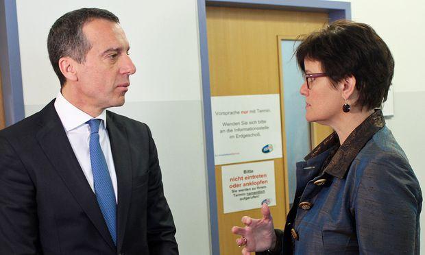 AMS-Wien-Chefin Petra Draxl mit Kern