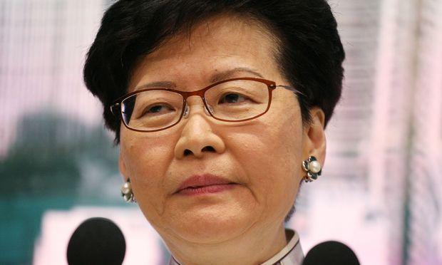 Unter Druck Hongkongs Regierungschefin Carrie Lam