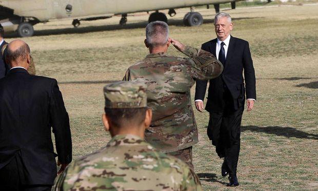 US-Verteidigungsminister und NATO-Chef in Kabul