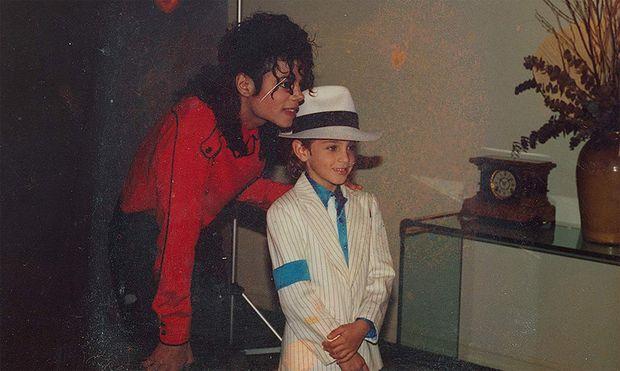 Michael Jackson mit Wade Robson, der ihm in der Doku vorwirft, ihn als Kind missbraucht zu haben / Bild: (c)