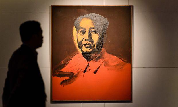 Andy Warhols 'Mao-Porträt sorgte für Aufregung, ding aber trotzdem erstaunlich günstig weg