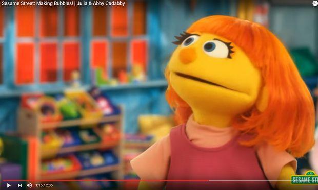 """Die Figur Julia ist der Neuzugang in der """"Sesamstraße"""""""