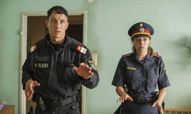 Wega-Jungspund Christoph (Laurence Rupp) lässt seine Freundin (Anna Suk) nicht an sich heran. / Bild: (c) Filmladen