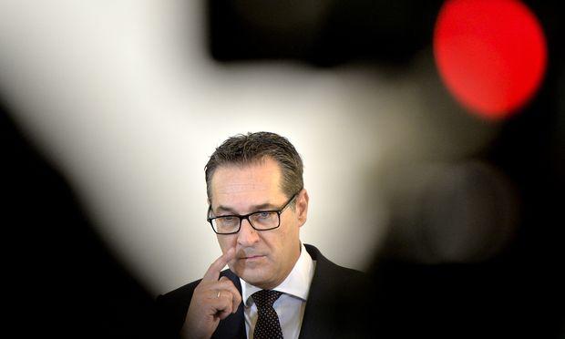 Auf keinen Fall will Vizekanzler Strache, dass die ÖVP im Direktorium der Nationalbank die Mehrheit hat.
