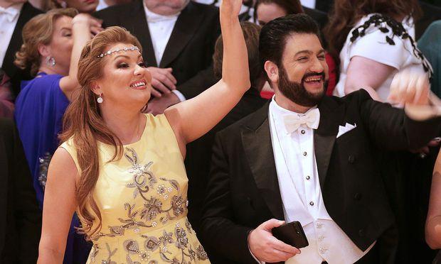 Archivbild von Yusif Eyvazov mit seiner Frau Anna Netrebko am Wiener Opernball.