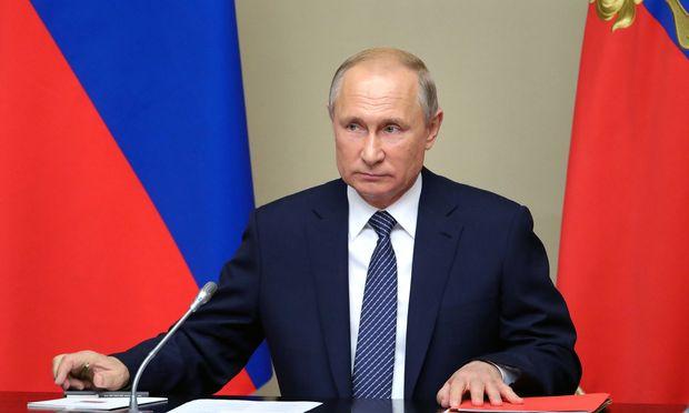 Wladimir Putin hat schon mehrmals angekündigt, sich im internationalen Handel vom US-Dollar verabschieden zu wollen.