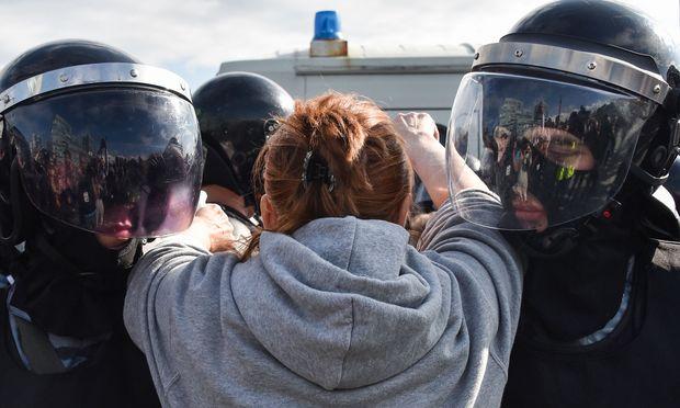 Den Moskauer Aktivisten drohen nun Verfahren.