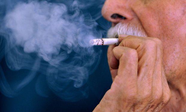 Archivbild: Ein Raucher, aufgenommen in Mexico City.