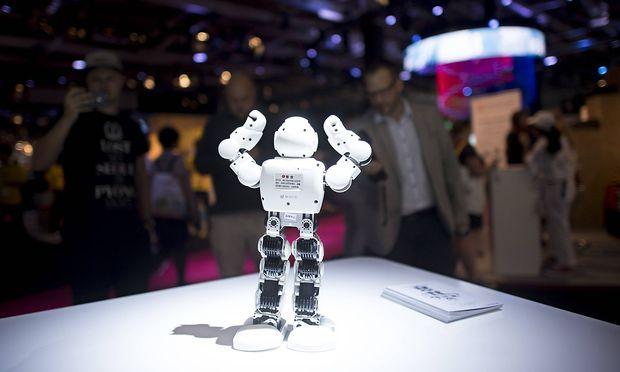 IFA Berlin Deu Deutschland Germany Berlin 05 09 2018 Alpha 1E roboter tanzen am Stand von Ubtec