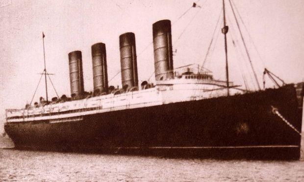 Auch die neue Titanic soll vier Schornsteine erhalten.