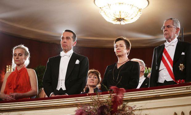 Der Kanzler und der Präsident während der Trauerminute