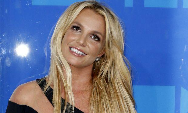 Britney Spears ist unter die Maler gegangen.
