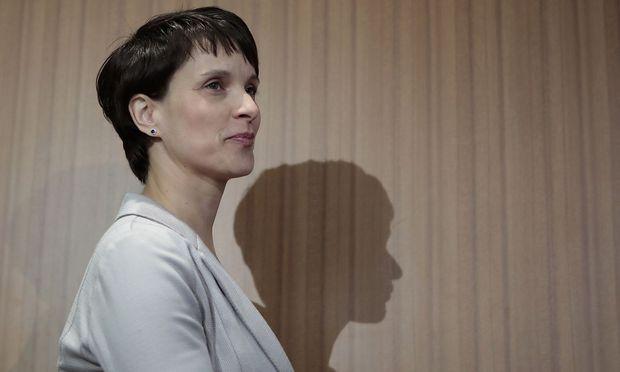 Lässt es Frauke Petry zu, dass jemand aus ihrem Schatten tritt?