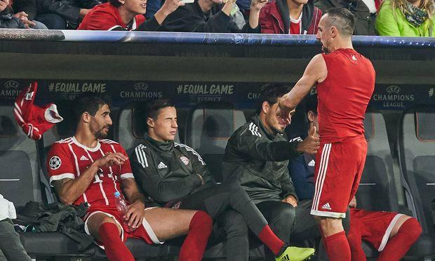 Franck Ribéry war sauer und warf nach seiner Auswechslung das Bayern-Trikot weg.