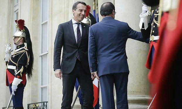 Bundeskanzler Christian Kern traf bei der Westbalkankonferenz in Paris auf den franzöischen Präsidenten Francois Hollande.