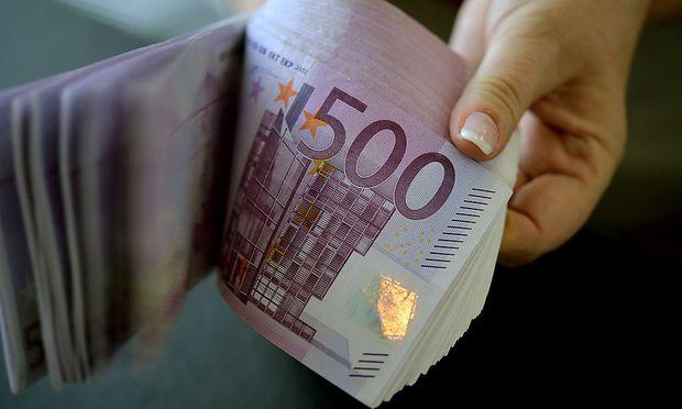 ARCHIVBILD: THEMENBILD: 500-EURO-GELDSCHEINE