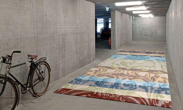 """Teppich. Die Galerie Geba zeigt die """"Graz""""-Kollektion, mit Ornamenten der Stadt."""